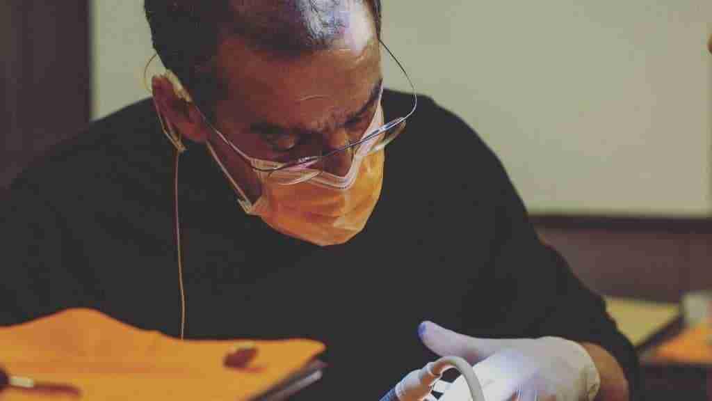 Traitement avec implants zygomatiques